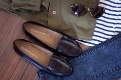 Sunday Outfit: Melvin & Hamilton Loafers, blue skinnyjeans, striped shirt, green parka, Ralph Lauren cat eye sunglasses - teetharejade.com