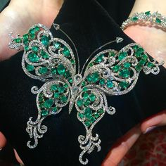 We had created many Emerald jewellery this butterfly brooch has to be the most stunning butterfly ever! # - April 13 2019 at Jewelry Model, I Love Jewelry, Modern Jewelry, Jewelry Art, Antique Jewelry, Gold Jewelry, Vintage Jewelry, Fine Jewelry, Jewelry Design