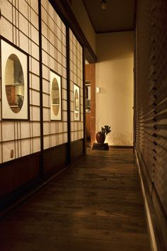 44 Inexpensive Japanese House Design Ideas With Traditional Elements - Japanese designs are absolutely simple and extremely attractive at the same time. Nowadays people are opting for more Japanese style living as it is v. Japanese Modern House, Japanese Living Rooms, Traditional Japanese House, Japanese Home Decor, Japanese Interior, Japanese Design, Japanese Architecture, Interior Architecture, Japan Room