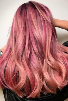 "27 Rose Gold Hair Color Ideas That Make You Say ""Wow!"", Rose Gold Hair Color Gold Pink Hair Colors Fashion for certain colors and shades can walk in a circle for several years or regularly come back into us. Gold Hair Colors, Hair Color Pink, Blonde Color, Blonde Ombre, Hair Colors For Blondes, Blonde Pink, Dark Blonde, Cabelo Rose Gold, Rose Gold Hair"