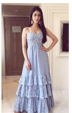 Designer long sleeveless lavender dress for women Kurta Designs, Kurti Designs Party Wear, Stylish Dresses, Casual Dresses, Fashion Dresses, Long Dresses, Dress Long, Indian Designer Outfits, Designer Dresses
