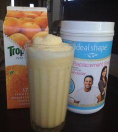 IdealShape Orange Creamsicle Meal Replacement Smoothie - 1 Scoop Vanilla IdealShape Shake Mix - 3/4 cup Skim Milk - 1/4 cup Orange Juice - 1 Orange Peeled & Separated - 1/4 Peeled & Chopped Apple - 4-5 Ice Cubes    -    #IdealShape