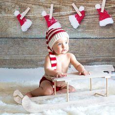 93fb10609cc06 Gorro duende en rojo y blanco para fotos navideñas! Hecho a mano de crochet.