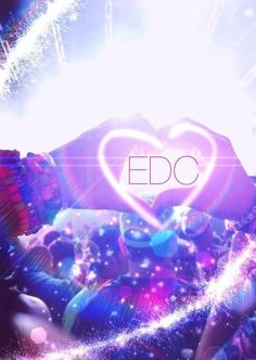I want to go to EDC Las Vegas so bad I can't even stand it!!