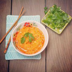 spicy #thai spaghetti squash noodles   vegan, gluten free + paleo