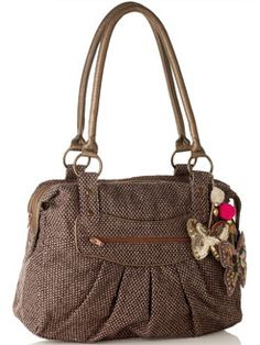 I don't even like purses...but damn. It's so cute <3  I think I would take the butterflies off though.