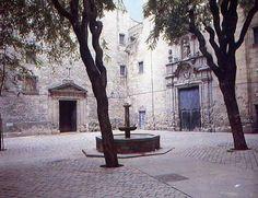 Plaza San Felipe Neri, Barcelona - Paz, dolor, terror, tranquilidad, frescura..sensaciones contradictorias es lo que sugiere.Es uno de mis recunchos preferidos