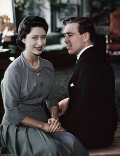 Lord Snowdon, the former husband of Princess Margaret, has died at the age of 86. Buckingham Palace said the Queen had been informed, but did not comment further.