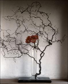 original Ikebana art, Japanese flower arrangement, by Baiko Ikebana Flower Arrangement, Ikebana Arrangements, Floral Arrangements, Arte Floral, Deco Floral, Floral Design, Flower Centerpieces, Flower Decorations, Flower Show