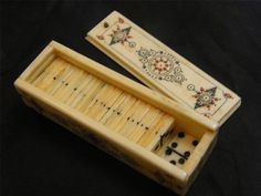 MINIATURE HAND CARVED DOMINO SET WITH CASE