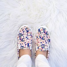 Jcrew Factory Floral Sneakers Like new floral sneakers. I've worn them maybe a couple of times and are still in great condition. They're size 6 and fit to size. Make offer! 🌸 J.Crew Factory Shoes Sneakers