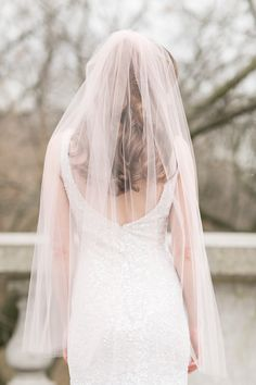 Gorgeous veil by Jaclyn Jordan New York | Charlie Juliet Photography | see more on: http://burnettsboards.com/2014/07/stylish-bridal-accessories-jaclyn-jordan/