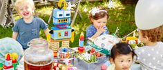 How to build a LEGO® DUPLO® themed birthday party - Articles - Family LEGO.com