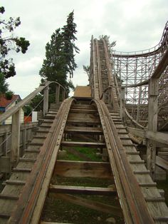Geauga Lake - The BIG DIPPER Roller Coaster...home stretch hills