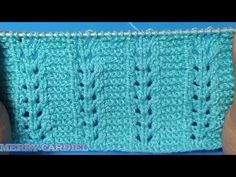 APRENDE A TEJER ESTA PUNTADA FACIL ESPIGAS A DOS AGUJAS - YouTube Knitting Paterns, Lace Knitting, Knitting Designs, Knit Patterns, Knitting Projects, Crochet Stitches, Crochet Videos, Crochet Bedspread, Chrochet