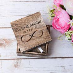Bague de mariage boîte rustique anneau support par HappyWeddingArt