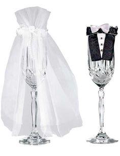#Deko für den Sekt! Hier Gläser von #Braut und #Bräutigam; gibt es auch für ganze Flaschen. #Hochzeit #wedding #Hochzeitsdeko