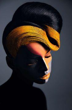 Vero Nic una mujer rusa que se describe como una artista del maquillaje y fotógrafa