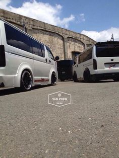 Hiace Toyota Van, Big Boyz, Toyota Hiace, Custom Vans, Travel Tours, Cars And Motorcycles, Trucks, Bike, Bagels