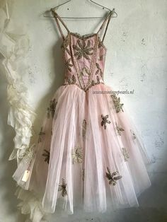 Ballet!! Tutu Costumes, Ballet Costumes, Vintage Ballerina, Ballerina Pink, Ballet Decor, Fairy Clothes, Fru Fru, Victorian Costume, Corset
