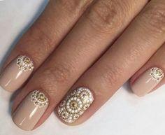 #nails #nailinspiration #nailart #elegantnails #nude #dots #gold