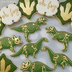 Classy dino cookies for a baby shower! These beauties travelled from Canada to and then with the client to I ship all over Canada and the USA! Fancy Cookies, Cute Cookies, Sugar Cookies, Heart Cookies, Baby Shower Desserts, Baby Shower Cookies, Party Desserts, Cookies Decorados, Dinosaur Cookies