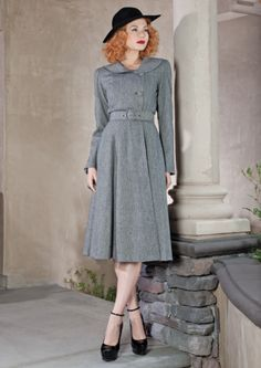 Beautiful, elegant, classic 40s style dress. This is just perfect for autumn. from #stopstaring.com