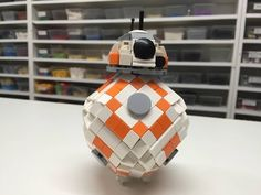How to build the Star Wars BB-8 droid using Lego bricks