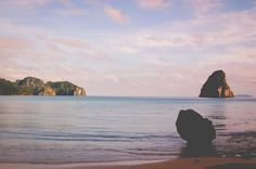 El Nido, Philippines Travel Guide by CGScreative. Where to stay, what to see and what to do.