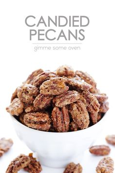 Candied Pecans All you need are 7 ingredients to make this delicious candied pecans recipe. They are perfect for topping salads, appetizers, main dishes, and desserts. And they're also perfect for gifting! Appetizer Recipes, Snack Recipes, Cooking Recipes, Appetizers, Candied Pecans Recipe, Candied Nuts, Sugared Pecans, Almonds, Yummy Treats