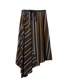 ブラウン Skirt Pants, Dress Skirt, Draped Skirt, Japan Fashion, Dress Me Up, Fashion Pants, Clothing Patterns, Casual Wear, Women Wear