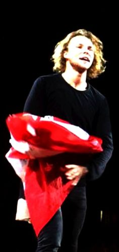 5SOS #ROWYSO Toronto, Canada 8/25/15---- An over exposed edited  photo of Ashton is still good for me