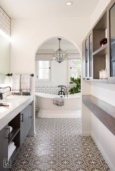 Studio Lifestyle // Bathroom with black and white Cement Tile