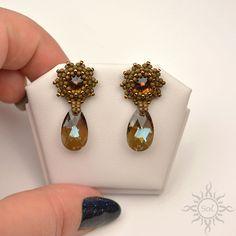 SMOKED TOPAZ brown stud beaded earrings with toho seeds and Seed Bead Jewelry, Bead Jewellery, Seed Bead Earrings, Pendant Earrings, Beaded Earrings, Beaded Jewelry, Handmade Jewelry, Beaded Bracelets, Silk Thread Bangles