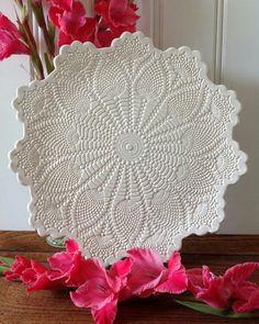 Big lace plate.