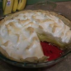 Found this while I was looking up traditional pie recipes. apparently, the pioneer women invented this when they didn't have access to fresh ingredients like lemon juice to make lemon pie. I'm really curious about this. Vinegar Pie, Cider Vinegar, Mexican Food Recipes, Dessert Recipes, Fruit Dessert, Sweet Desserts, Dessert Ideas, Custard Filling, Pie Crust Recipes