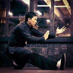 Improve your Muay Thai workouts with better training routines and drills. List of Muay Thai exercises to take your fighting to the next level Kung Fu Martial Arts, Chinese Martial Arts, Martial Arts Movies, Martial Artists, Donnie Yen Movie, Muay Thai Workouts, Kung Fu Movies, Shaolin Kung Fu, Ip Man
