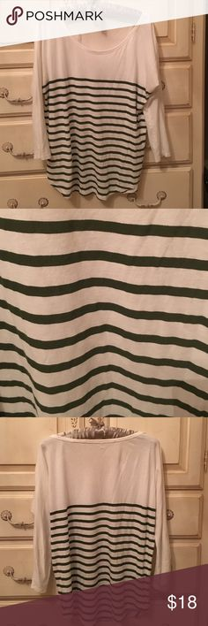 Gap Top Dolman three quarter length sleeve top. Forest green stripes. Worn twice perfect condition like new GAP Tops Tees - Long Sleeve