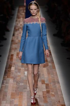 Valentino fall 2013 - add scallop edges to the yoke