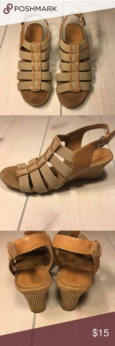 Women Size 8.5 Aerosols Wedges Women size 8.5 Aerosols Tan  wedges with a 2 inch heel.  ITEM IS EXACTLY AS PICTURED  ** Bundle this item along with 2 or more items from my closet and save an extra 10% off!  If you have any questions please feel free to comment below or send me a message. Thank you! AEROSOLES Shoes Wedges