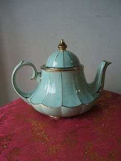 25+ best ideas about Tea Pots on Pinterest | Coffee and tea ...
