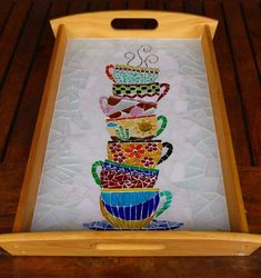 Paty Shibuya: Artes com MosaicoFun tray mosaic with a stack of teacupsLooks like an invitation to a tea party. Mosaic Tray, Mosaic Tile Art, Mosaic Artwork, Mosaic Crafts, Mosaic Projects, Mosaic Glass, Stained Glass, Mosaic Designs, Mosaic Patterns