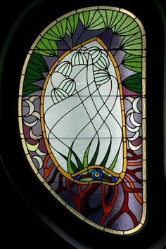 Emil Vidor, Satined glass window of the bulding in Honvéd street, Budapest, Hungary Stained Glass Flowers, Stained Glass Panels, Stained Glass Projects, Stained Glass Art, Art Deco, Art Nouveau, Beveled Glass, Mosaic Glass, Different Forms Of Art