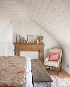 Attic Bedrooms, Bedroom Loft, Cozy Bedroom, Bedroom Ideas, Master Bedroom, Farm Bedroom, Cottage Bedrooms, Bedroom Modern, Bedroom Styles
