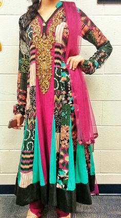 Indian fashion of bright color patterns. So pretty!! #colors #bright #indian #pakistani #patterns