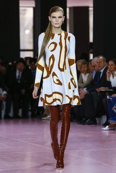 DÉFILÉ PRÊT-À-PORTER AUTOMNE-HIVER 2015-16 / PRÊT-À-PORTER / Femme / Dior Site Officiel