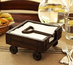 Love this little napkin holder, too cute!