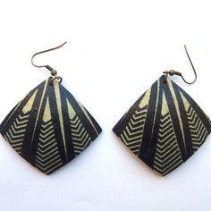 www.cewax.fr aime les bijoux ethno tendance Bijoux ethniques et style tribal. CéWax aussi fait des bijoux en tissus imprimés africains, on vous retrouve en boutique ici: http://cewax.alittlemarket.com/ - Boucles d'oreille wax et noix de coco