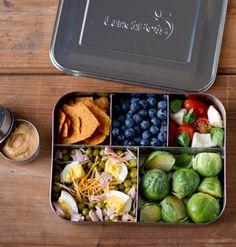 The LunchBots Bento Cinco plastic-free, stainless steel food container with five sections is large enough for you to pack your healthy work lunch to go. Sac Lunch, Lunch To Go, Stainless Steel Lunch Box, Stainless Steel Lunch Containers, Boite A Lunch, Lunch Snacks, Kids Meals, Healthy Eating, Healthy Recipes