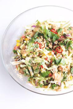 Vegan Thai Quinoa Salad with Peanut Lemongrass Dressing - a healthy quinoa salad loaded with veggies, herbs and a lemongrass peanut dressing. Clean Recipes, Whole Food Recipes, Healthy Recipes, Healthy Lunches For Work, Work Lunches, Healthy Cooking, Healthy Eating, Millet Recipes, Peanut Dressing